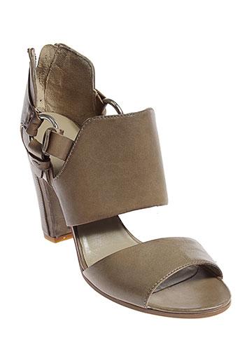 elena et lachi sandales et nu et pieds femme de couleur marron