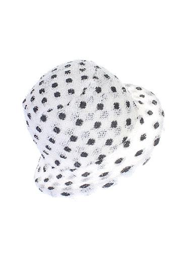 berthe et aux et grands et pieds chapeaux et bonnets femme de couleur blanc