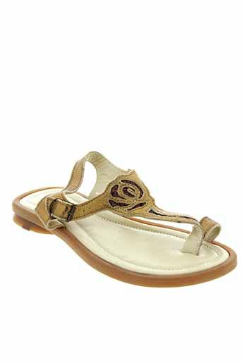 mod et 8 sandales et nu et pieds fille de couleur marron