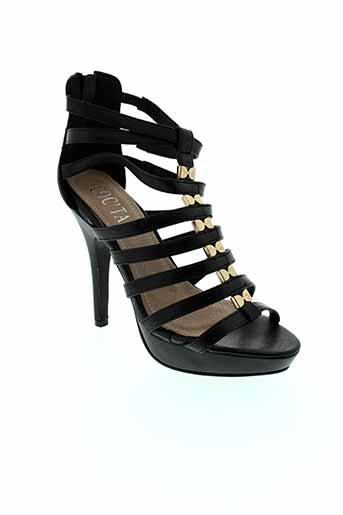 coc et tail sandales et nu et pieds femme de couleur noir