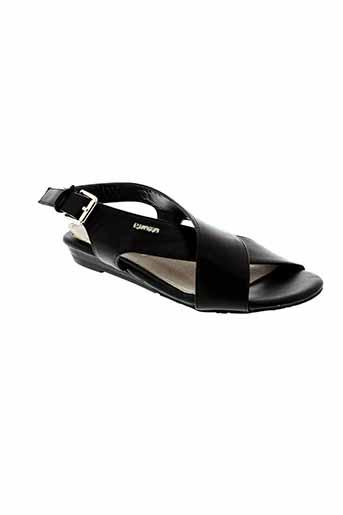playa sandales et nu et pieds femme de couleur noir