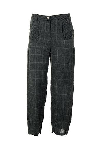 a et dress et concept pantalons et decontractes femme de couleur gris