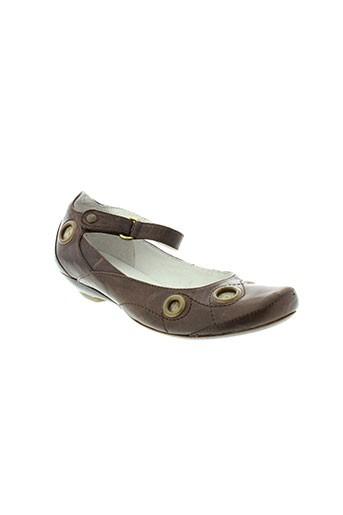 paris tenus chaussures femme de couleur marron