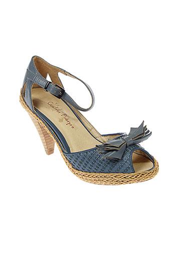 couleur et pourpre sandales et nu et pieds femme de couleur bleu