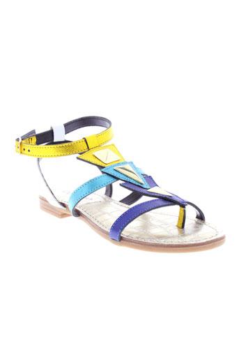 cafe et noir sandales et nu et pieds femme de couleur bleu