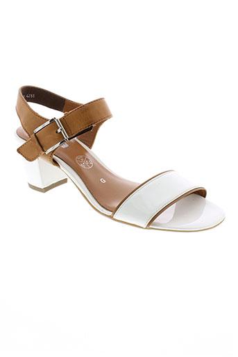 ara sandales et nu et pieds femme de couleur blanc