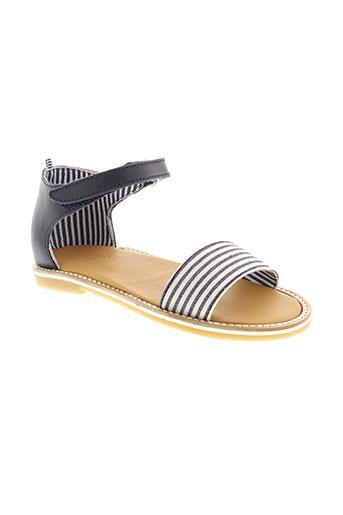 petit et bateau sandales et nu et pieds fille de couleur bleu