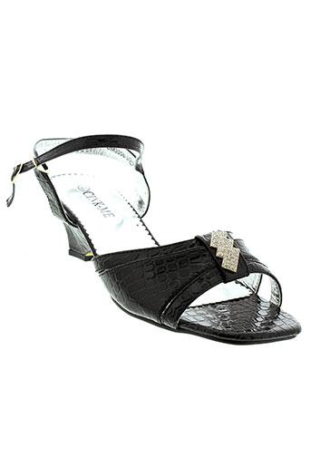 cink et me sandales et nu et pieds femme de couleur noir