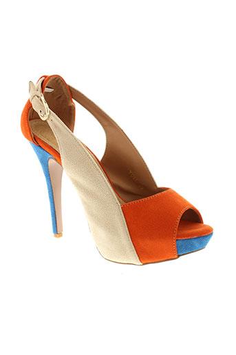 cassis et cote et d et azur sandales et nu et pieds femme de couleur orange