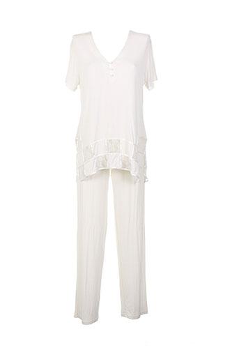 argentovivo pyjamas et 1 femme de couleur beige