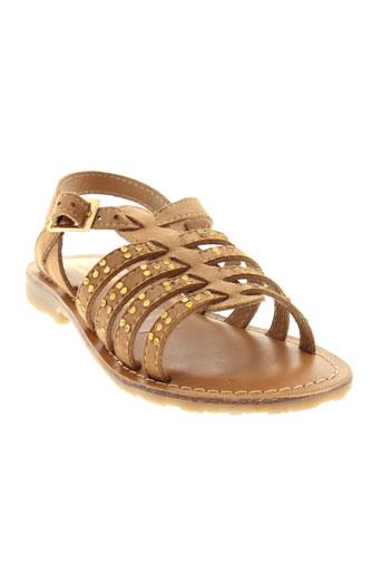 valentine et la et coquine sandales et nu et pieds fille de couleur beige