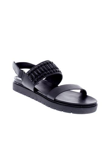 paradoxale sandales et nu et pieds femme de couleur noir