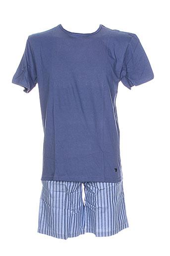 arthur pyjamas et 1 homme de couleur bleu