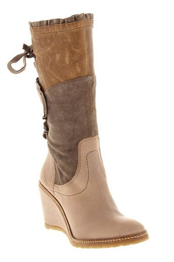 regard bottes femme de couleur beige
