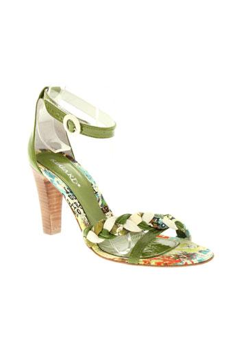 regard chaussures femme de couleur vert