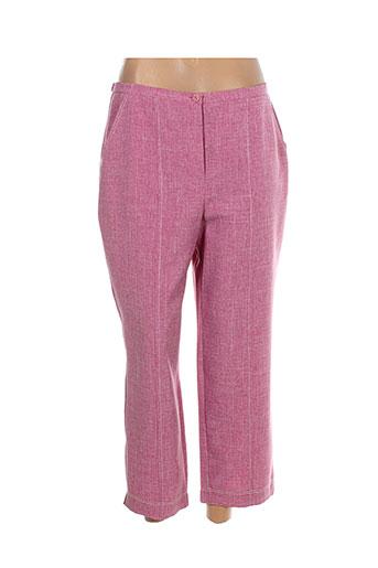 20 et 20 pantacourts et citadins femme de couleur rose (photo)