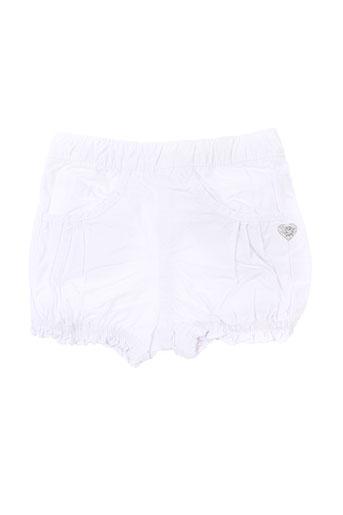 3 et pommes shorts et 1 fille de couleur blanc (photo)