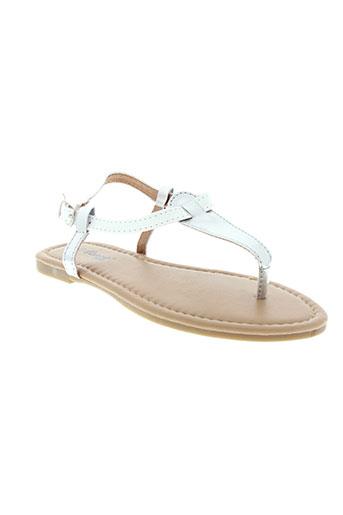 cassis et cote et d et azur sandales et nu et pieds fille de couleur blanc