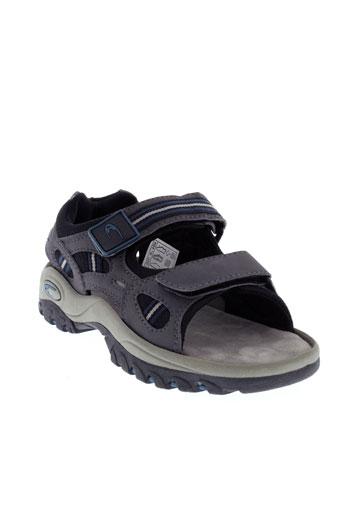 complices sandales et nu et pieds garcon de couleur gris