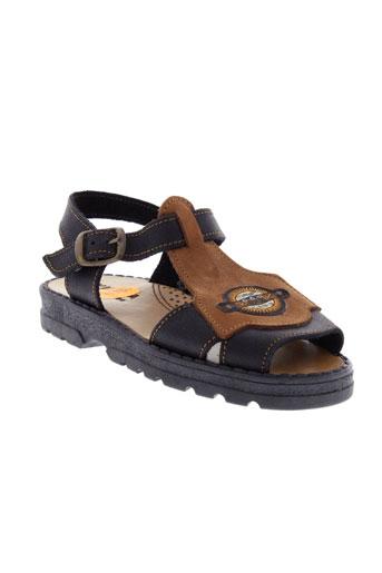 virona sandales et nu et pieds garcon de couleur noir