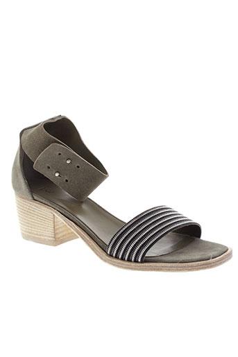 vic sandales et nu et pieds femme de couleur gris