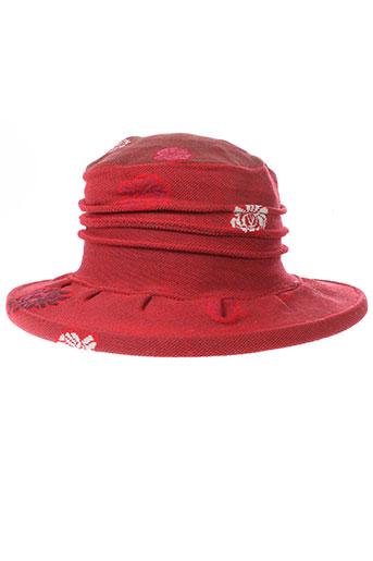berthe et aux et grands et pieds chapeaux et bonnets femme de couleur rouge