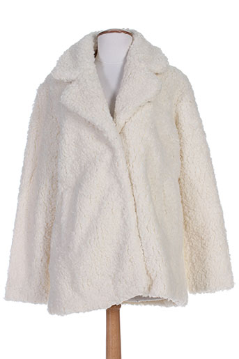 deux two manteaux femme de couleur blanc