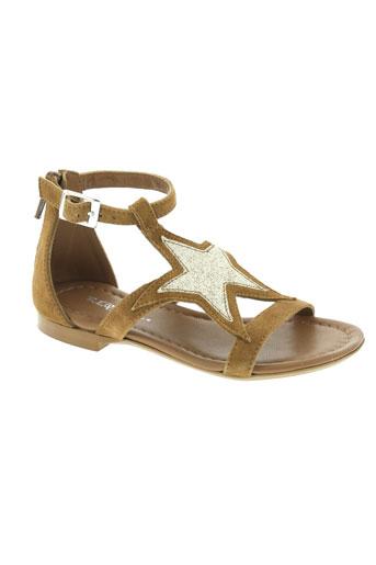 reqins sandales et nu et pieds fille de couleur marron
