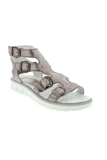 primigi sandales et nu et pieds fille de couleur gris