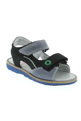kickers sandales et nu et pieds garcon de couleur bleu