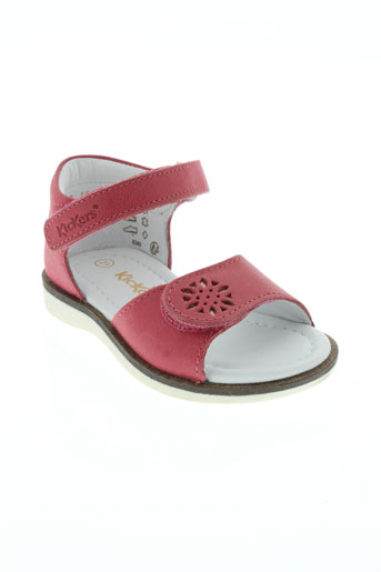 kickers sandales et nu et pieds fille de couleur rose