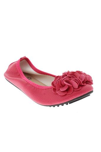 la et bottine et souriante ballerines femme de couleur rose