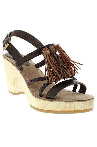 mtng sandales et nu et pieds femme de couleur marron