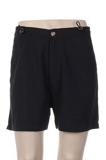 aden et anais shorts et 1 femme de couleur noir