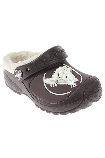 crocs mules et sabots garcon de couleur marron