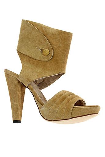 v et m sandales et nu et pieds femme de couleur marron