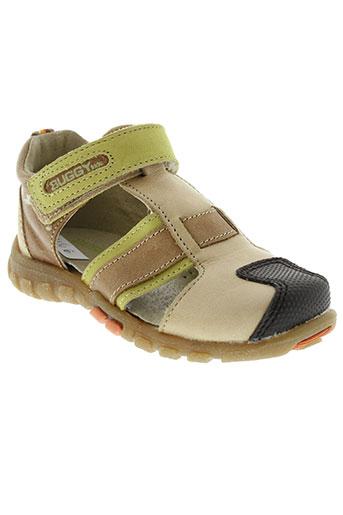 buggy sandales et nu et pieds garcon de couleur beige