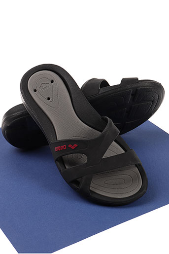 arena chaussures femme de couleur noir