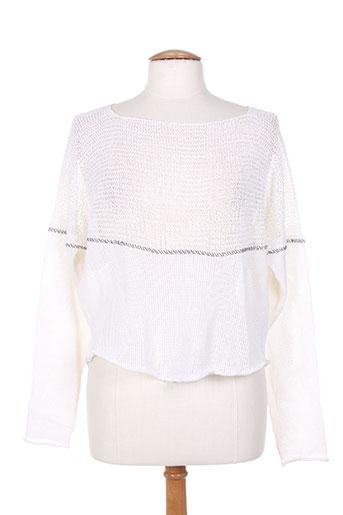 crea concept pulls femme de couleur blanc