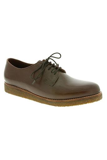 centre commercial chaussures homme de couleur marron