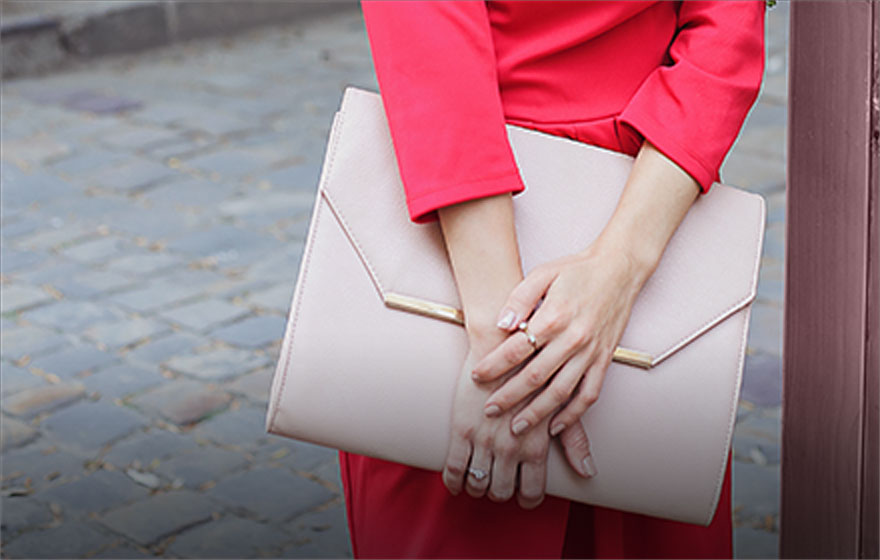 Une pochette - L'accessoire glam'